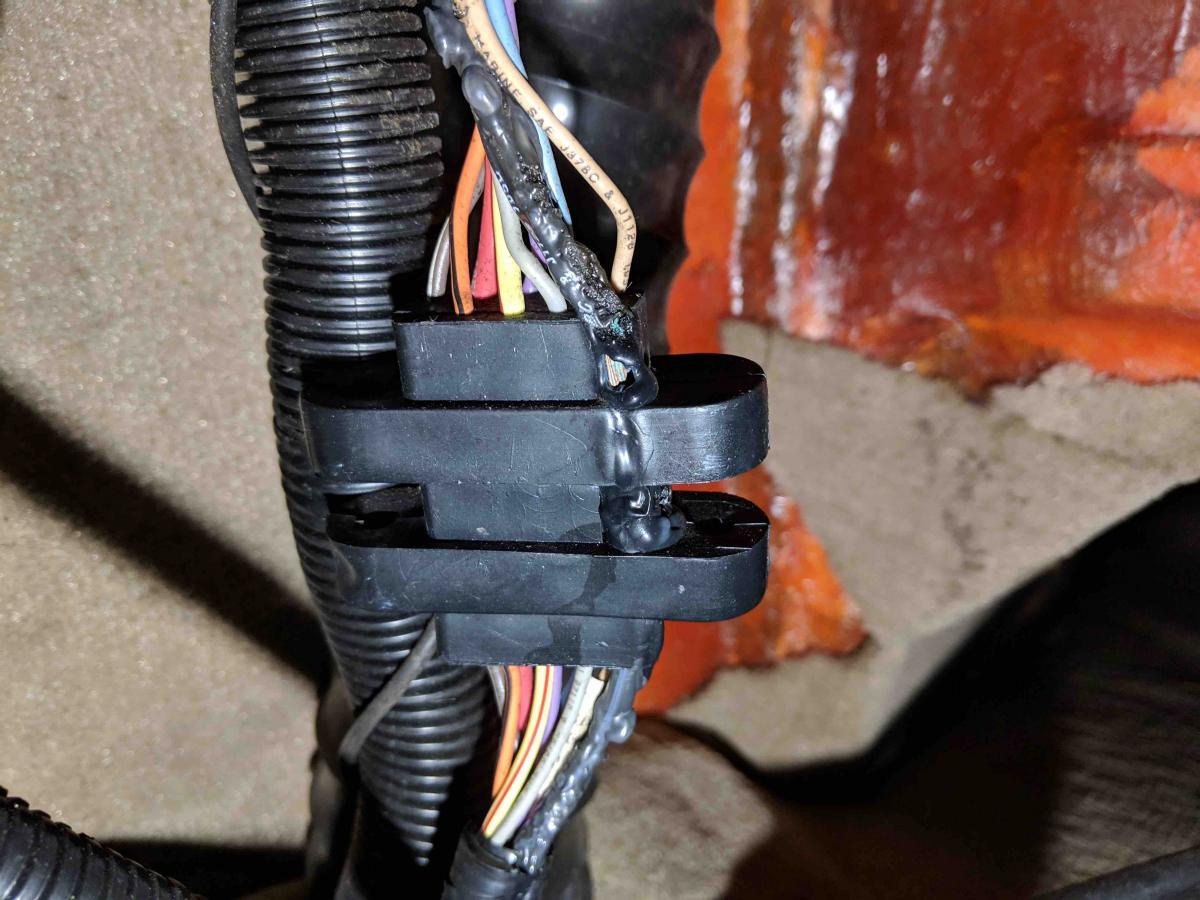 Name:  Bulkhead Connector.jpg Views: 861 Size:  129.6 KB