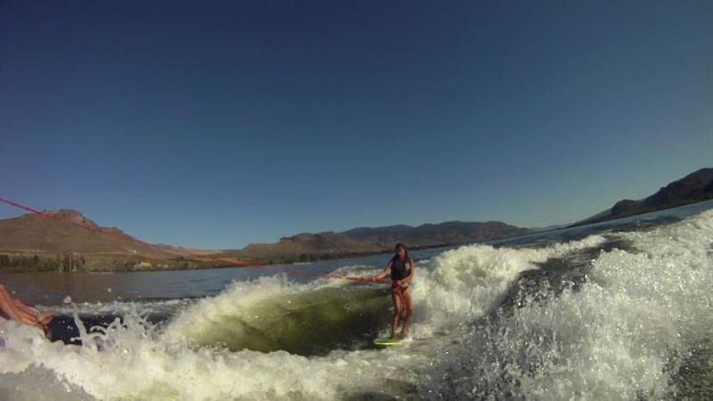 Name:  2 boat surfing 0733.jpg Views: 1163 Size:  34.4 KB